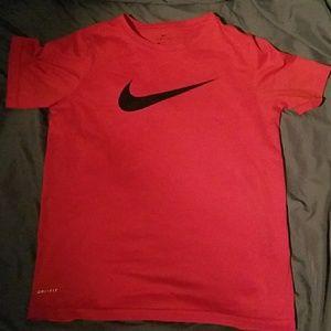 Boys Nike dri fit t shirt